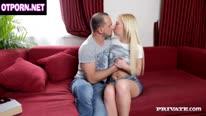 Репетитор занимается оральным сексом с русской студенткой.  1